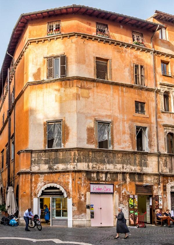 Ciao-tutti-City-Walk-Rome-getto-Tibereiland-2
