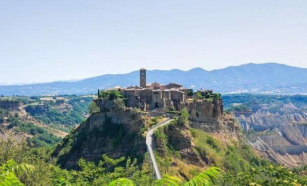 Civita-di-Bagnoregio-Lazio (1)
