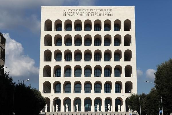Colosseo-Quadrato-vierkant-Colosseum-EUR-Rome (1)