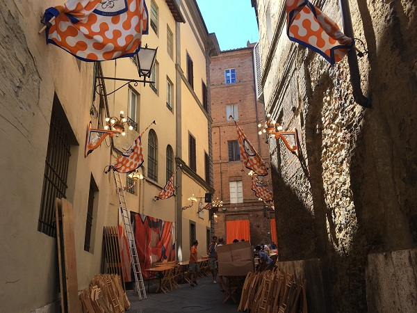 Contrada-del-Leocorno-Siena (2)