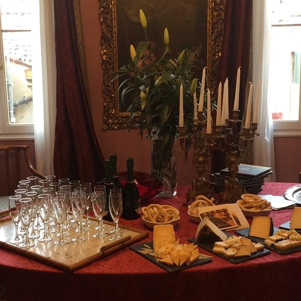 Cook-in-Venice-prosecco-kaas-Latteria-Perenzin (2)