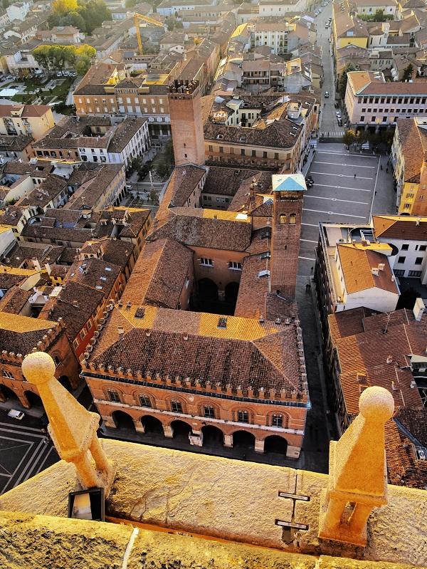 Cremona (1)