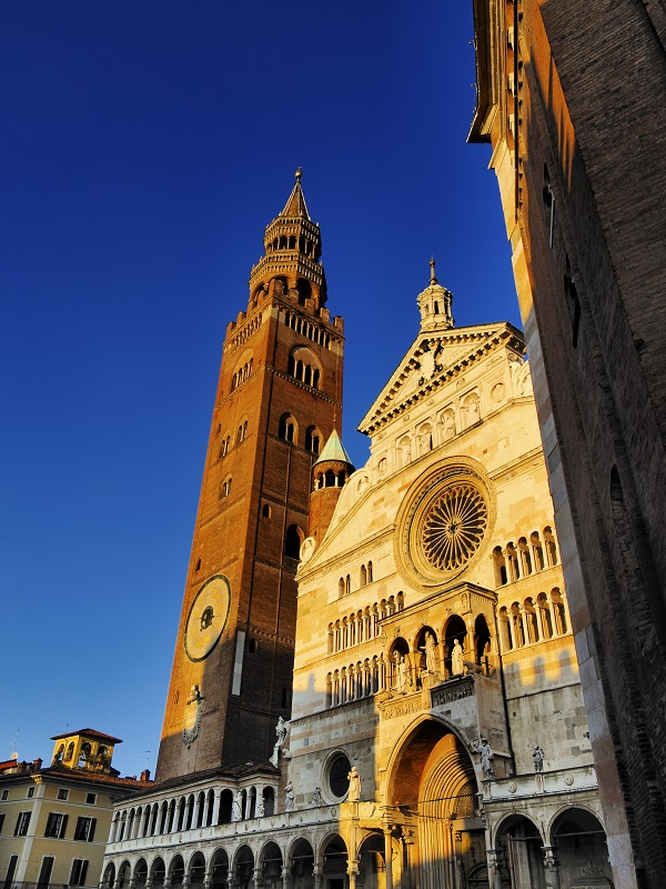 Cremona (2)