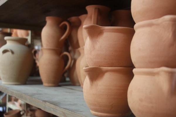Daniele-Giombi-keramiek-terracotta-Fratte-Rosa-Italian-Stories (10)