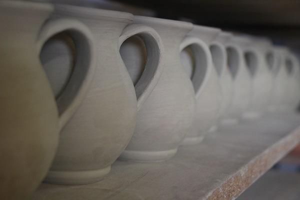 Daniele-Giombi-keramiek-terracotta-Fratte-Rosa-Italian-Stories (11)