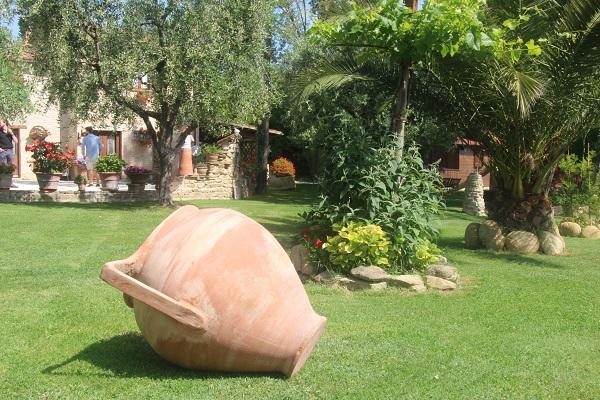 Daniele-Giombi-keramiek-terracotta-Fratte-Rosa-Italian-Stories (2)