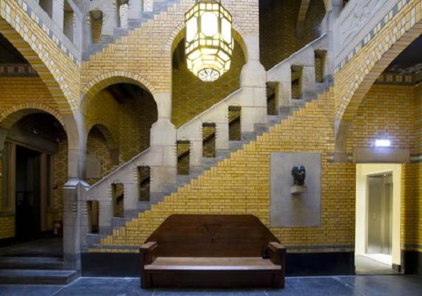 De-Burcht-Berlage-Amsterdam-interieur