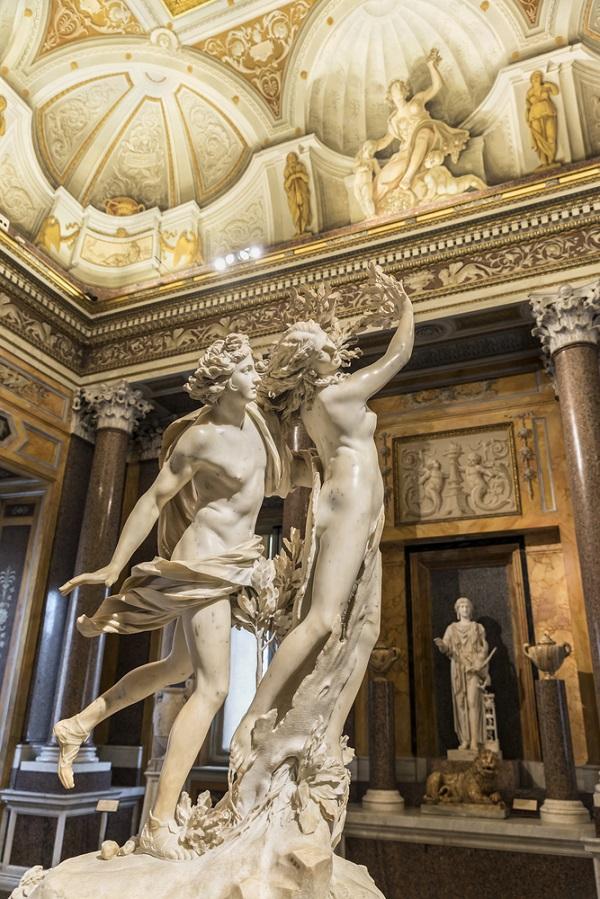 De-eeuwige-stad-Rome-in-sonnetten-Bernini