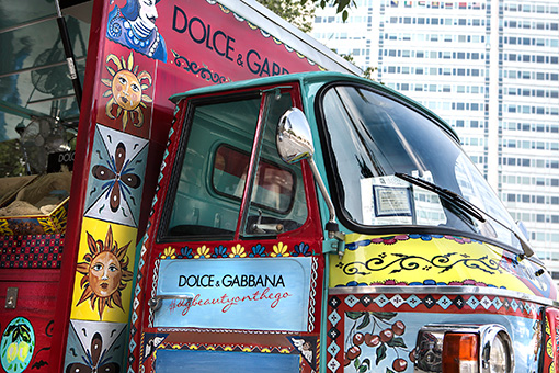 Dolce-Gabbana-Ape-Beauty-on-the-Go-Milaan (1)
