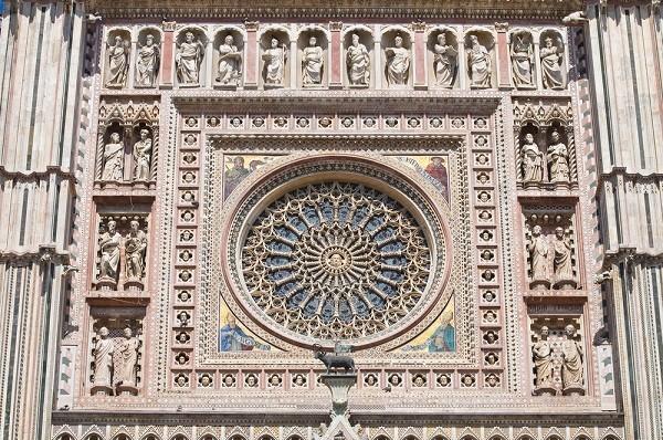 Duomo-Orvieto-roosvenster (1b)