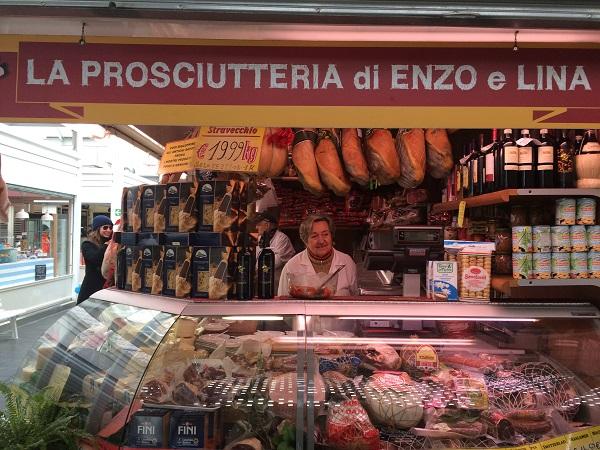 Enzo-Lina-Testaccio-kaas-markt (2)