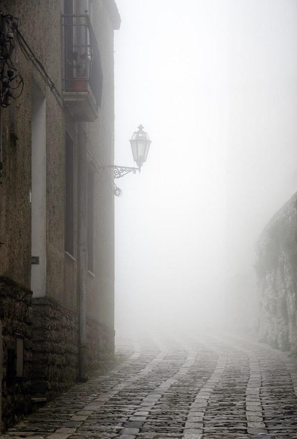 Erice-Sicilië-mist