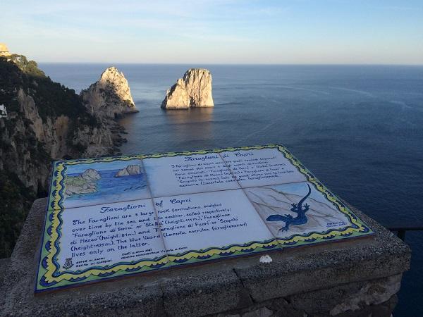 Faraglioni-rotsen-Capri (1)