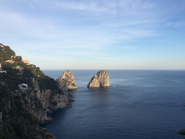 Faraglioni-rotsen-Capri (2)
