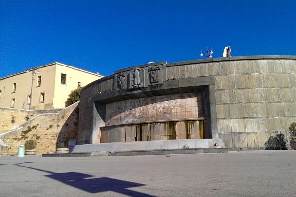 Fontana-Impero-Brindisi