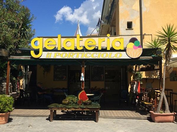Gelateria-Il-Porticciolo-Levanto-Ligurië (1a)