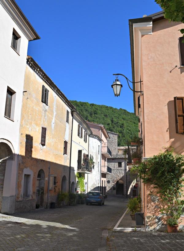 Genga-Frasassi-Le-Marche (1)