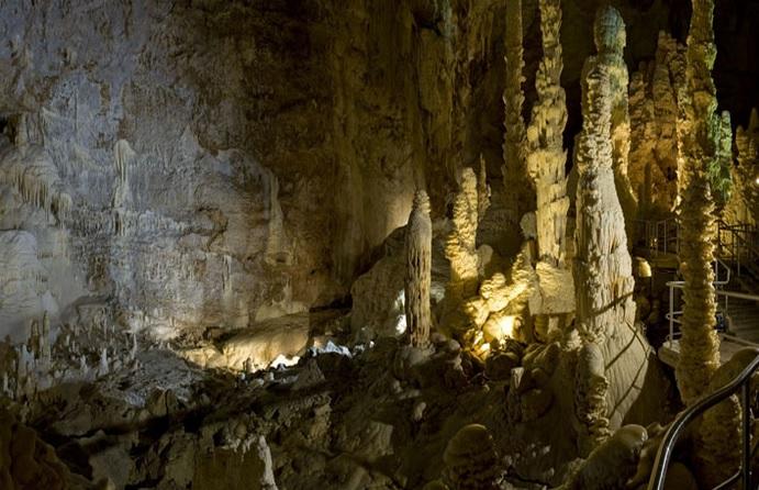 Grotte-Frasassi