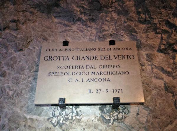 Grotte-di-Frasassi (8)