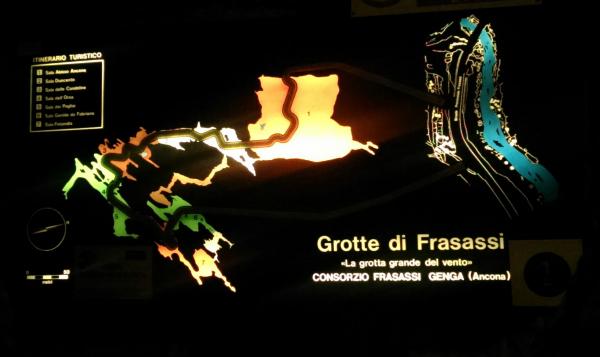 Grotte-di-Frasassi (9)