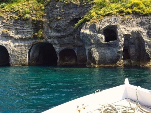 Grotte-di-Pilato-Ponza-Gillians-Lists