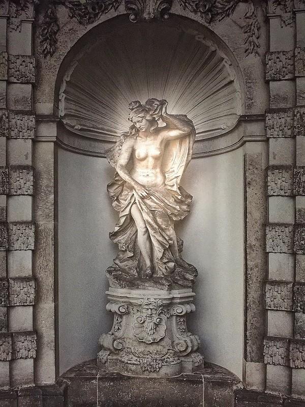 Het-geheim-van-Dresden-Groninger-Museum (3)