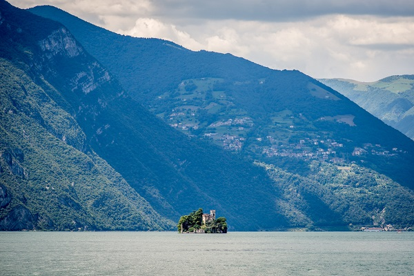 Isola-Loreto-Lago-Iseo-meer
