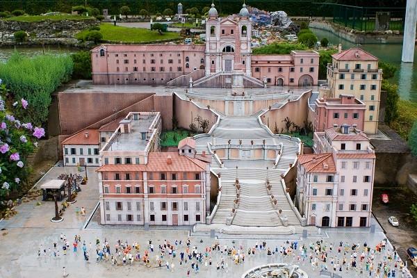Piazza di Spagna in miniature