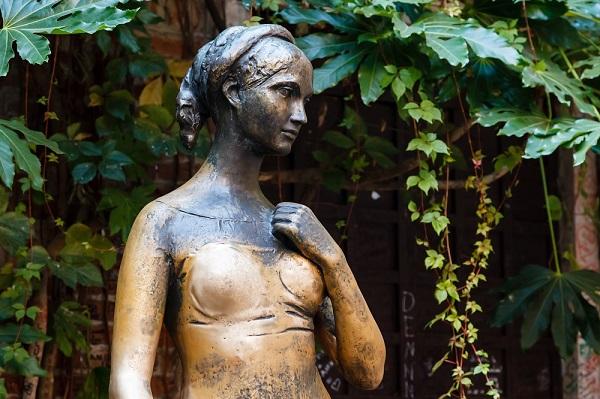 Julia-Verona