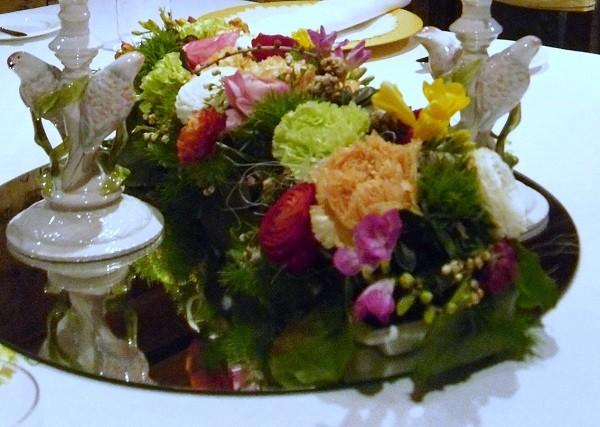 La-Stüa-de-Michil-Zuid-Tirol-bloemen-decoratie