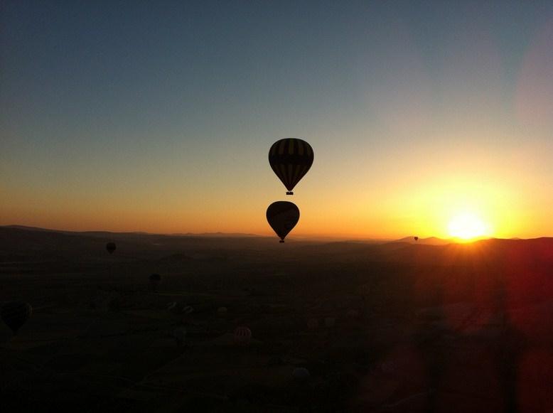 L'alba in mongolfiera