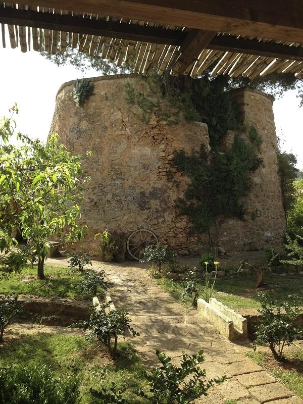 Lecce-masseria-Puglia (1)
