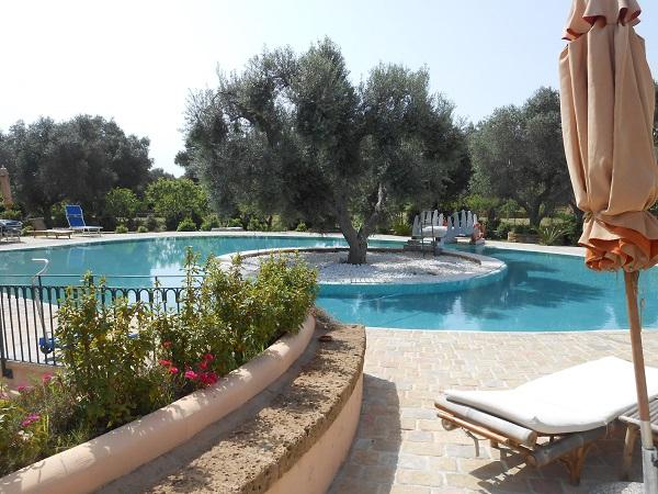 Lecce-masseria-Puglia (2)