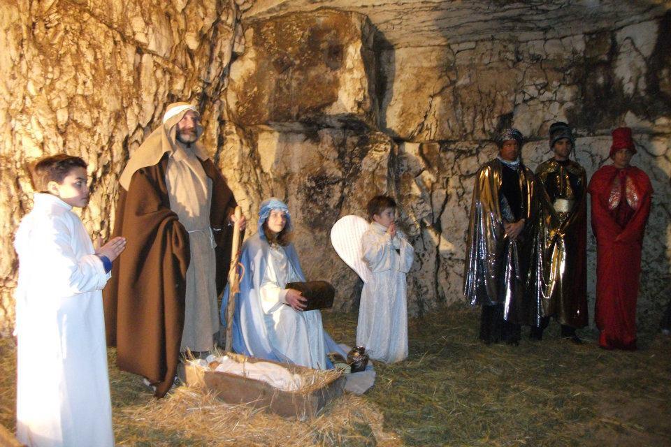 Kerststal in een grot ciao tutti ontdekkingsblog door itali - Fotos van levende ...