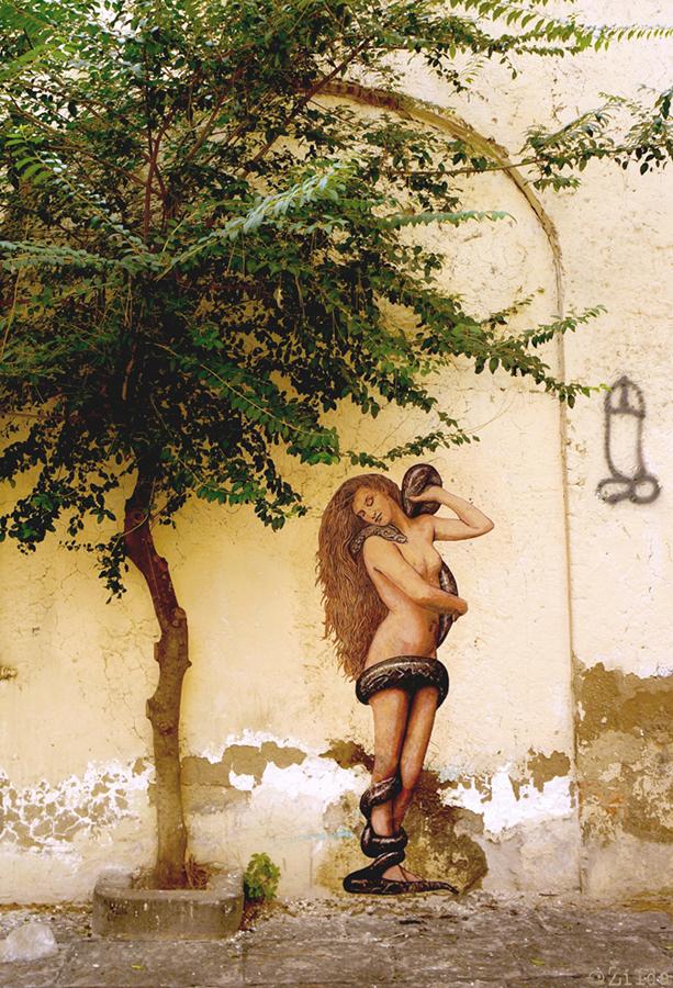 Lilith street art zilda naples