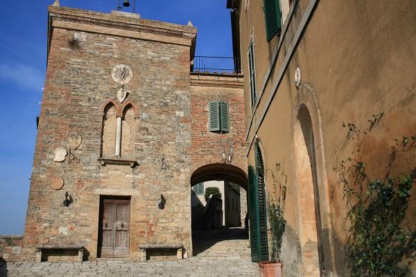 Lucignanello-borgo-details (1)