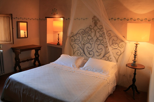 Lucignanello-borgo-slaapkamer