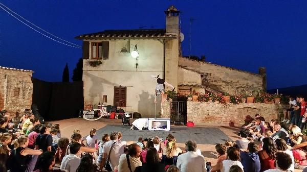 Mercantia-theater-festival-Certaldo-Toscane (11)