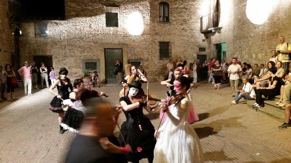 Mercantia-theater-festival-Certaldo-Toscane (15)