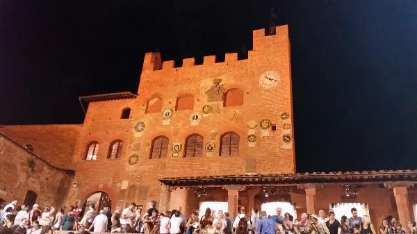 Mercantia-theater-festival-Certaldo-Toscane (16)