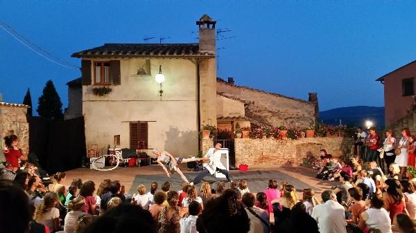 Mercantia-theater-festival-Certaldo-Toscane (7)