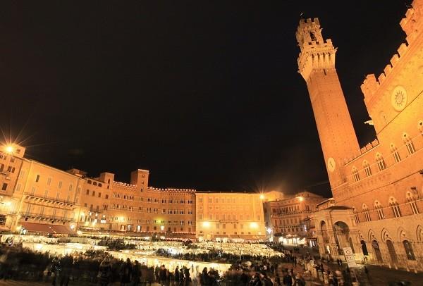 Mercato-del-Campo-Siena (2)