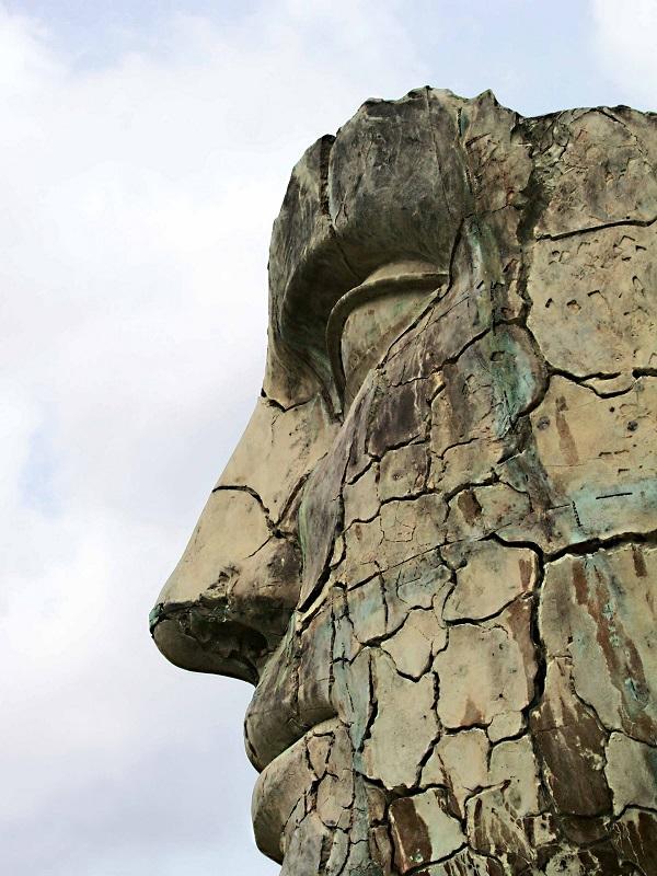 Mitoraj-bronzen-hoofd-Giardino-Boboli-Florence