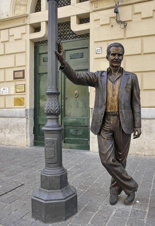 Montalbano-standbeeld