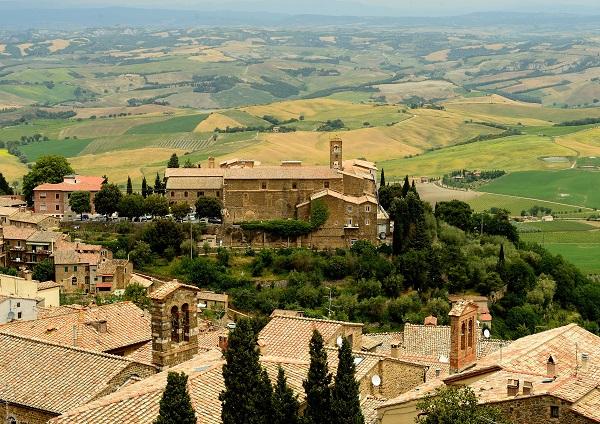Montalcino-Toscane