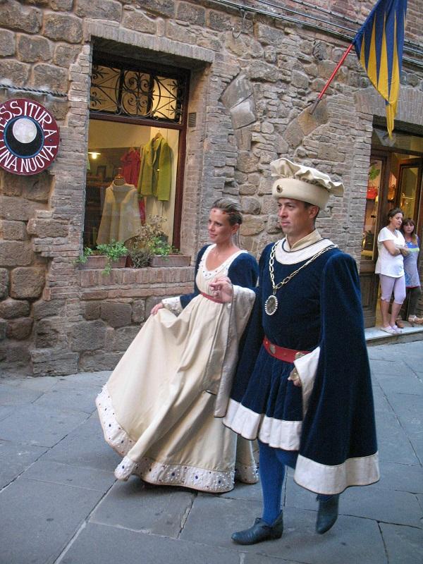 Montalcino-historische-stoet