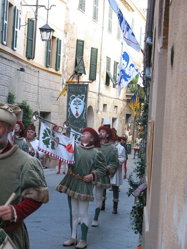 Montalcino-historische-stoet2