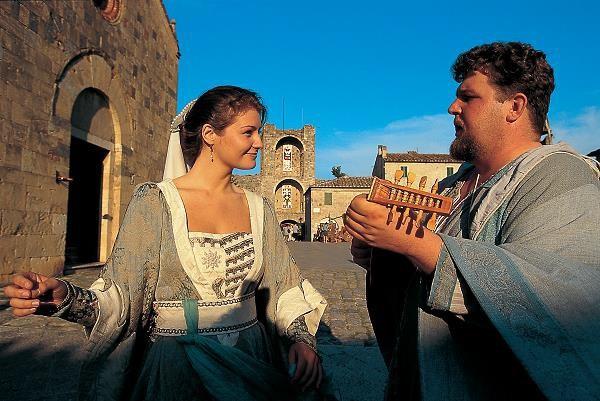 Monteriggioni-Medievale-3
