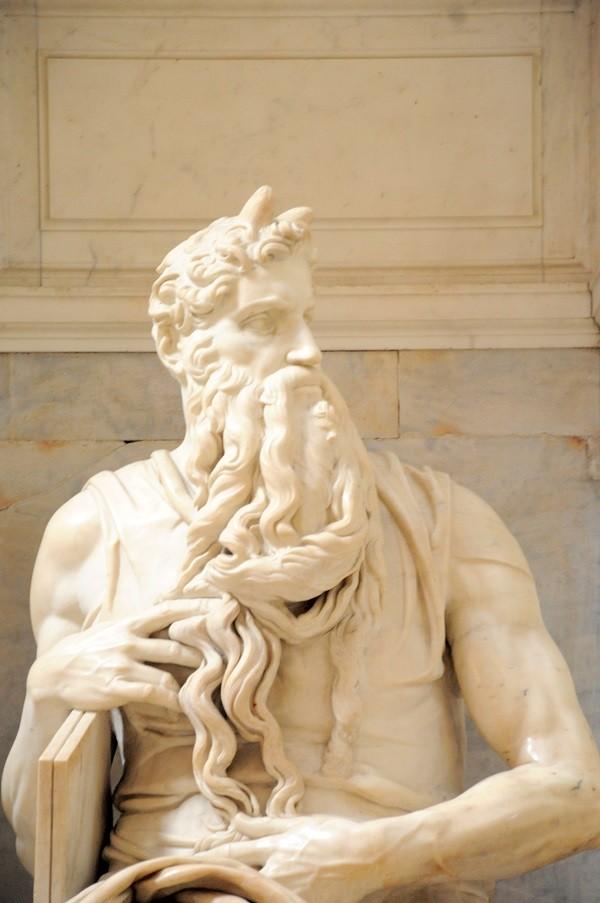 Mozes-Michelangelo-San-Pietro-Vincoli