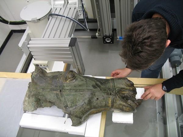 Museum-Het-Valkhof-Van-hun-voetstuk-gevallen-onderzoek (1)